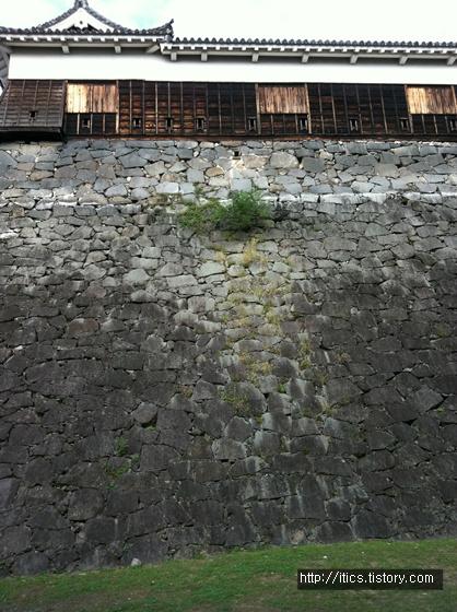 구마모토 성벽