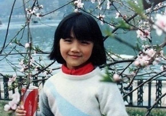 어린시절 탕웨이 모습