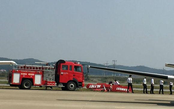 에어쇼 경비행기 추락 4.jpg